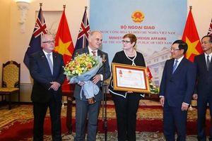 ACIAR được trao Huân chương Hữu nghị vì những đóng góp cho nông nghiệp