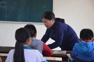 Uống nước giẻ lau bảng, tát 231 cái vào mặt vì bị cờ đỏ ghi tên,… cùng những hình phạt học sinh từng gây phẫn nộ dư luận Việt Nam