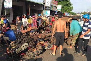 Máy cày không biển số tông xe máy, nhiều người bị thương
