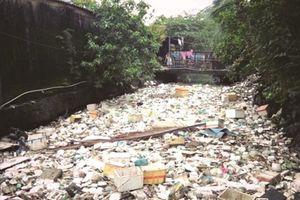 Khi rác thải và mùi hôi trở thành nỗi ám ảnh kinh hoàng của người dân TP. HCM