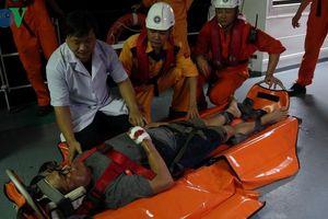 Cứu thuyền viên tàu Liberia bị tai nạn trên biển miền Trung