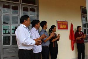 LĐLĐ tỉnh Lai Châu gắn biển công trình chào mừng 90 năm CĐVN