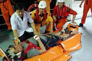 Cứu một thuyền viên tàu nước ngoài bị tai nạn lao động