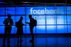 Facebook sẽ trả tiền để theo dõi người dùng