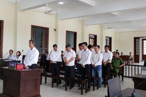 Nguyên Giám đốc Vietcombank Tây Đô bật khóc trước khi nhận mức án 20 năm tù