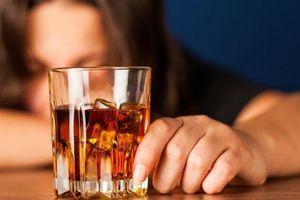 Uống rượu có hại đến đời sống tình dục như thế này mà nam giới không hề hay biết