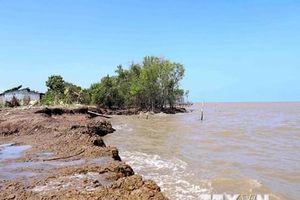 Kiên Giang: Tuyến đê biển huyện An Minh bị sóng biển đánh vỡ