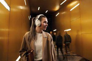 Jabra Elite 85h: tai nghe chống ồn pin 41 giờ