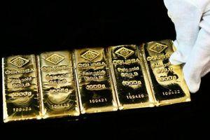 Giá vàng lập đỉnh mới, giá USD ngân hàng giảm thêm