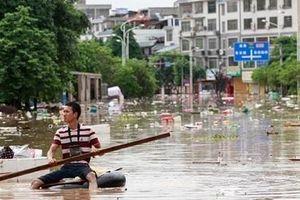 Lũ lớn làm 61 người chết, kéo sập 9.300 ngôi nhà ở Trung Quốc