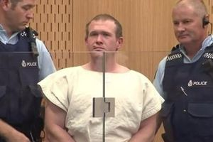 Kẻ xả súng vào 2 nhà thờ tại New Zealand liên tục chối tội