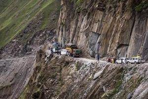 'Con đường chết chóc' thử thách thần kinh thép của cánh tài xế
