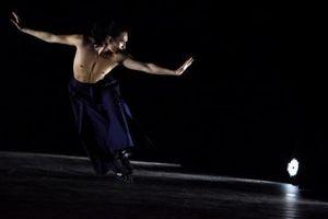 Mãn nhãn màn múa trên patin của nghệ sĩ người Pháp gốc Việt