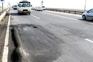 Đề xuất đầu tư 195 tỷ đồng để sửa chữa gấp mặt cầu Thăng Long