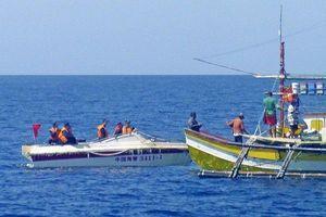 Vụ tàu Trung Quốc đâm chìm rồi bỏ mặc ngư dân Philippines: Thử lửa quan hệ Manila-Bắc Kinh