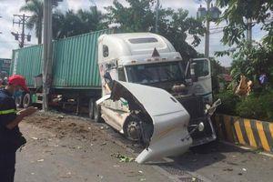 Container đâm ô tô bẹp dúm ở Tây Ninh: Số người chết tiếp tục tăng