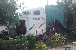 Tài xế container lấn làn tông ô tô con khiến 5 người thiệt mạng ở Tây Ninh