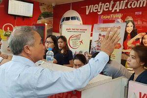 Hành khách bức xúc vì VietJet hoãn chuyến hơn 15 giờ đồng hồ