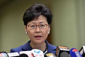 Dừng vô thời hạn dự luật dẫn độ, Trưởng Đặc khu Hong Kong thừa nhận thiếu sót
