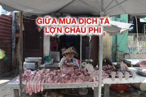 Sạp thịt vắng khách, tiểu thương Sài Gòn tán gẫu giữa mùa dịch tả lợn châu Phi