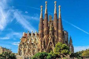 Vì sao nhà thờ hơn 1 thế kỷ chưa xây xong vẫn nườm nượp du khách?