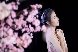Thủy Tiên 'tan nát cõi lòng' khi con gái ngày đêm 'cày' view cho người khác thay vì xem mẹ hát