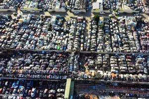 Hàng nghìn siêu xe bạc tỷ chất đống như 'rác' ở Dubai