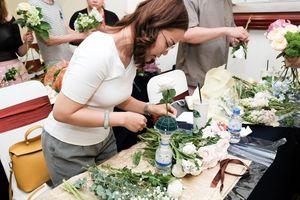 Hội chị em Sài Gòn chi tận 3,5 triệu cho một buổi học cắm hoa 2 ngày, đến thời muốn đảm đang cũng tốn bạc triệu!?