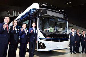 Ra mắt xe buýt Hyundai chạy điện 2 tầng, chở 70 khách
