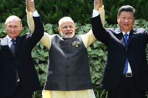 Chụm ba cây, vọng thành núi. Trung – Nga - Ấn sẽ gặp tay ba tại G20