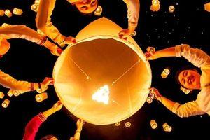 Lễ hội thả đèn lồng có ý nghĩa gì đối với người Thái Lan?