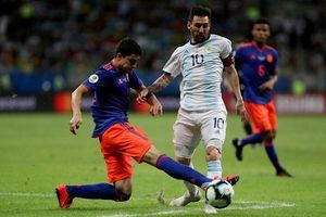 Messi mờ nhạt, Argentina thua thảm Colombia tại Copa America