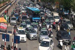 Lý do Bộ GTVT bảo lưu quan điểm taxi công nghệ phải gắn 'mào'