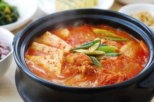 Công thức nấu thịt ba chỉ hầm kim chi đúng chuẩn Hàn Quốc