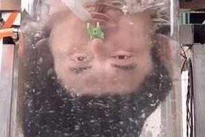 Phát minh máy gội đầu 'lộn ngược' của chàng trai Trung Quốc