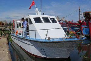 Quảng Ngãi: Bàn giao tàu tuần tra hiện đại cho Khu bảo tồn biển
