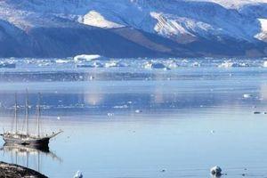 Hai tỉ tấn băng ở hòn đảo Bắc Cực biến mất chỉ trong một ngày