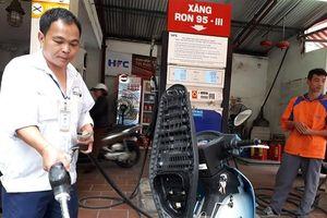 Giá xăng dầu giảm lần thứ ba liên tiếp
