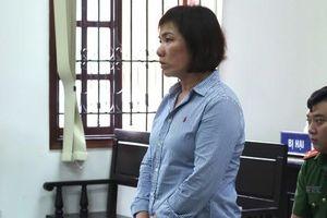 CLIP: Nữ doanh nhân lái xe BMW gục đầu xin lỗi gia đình nạn nhân
