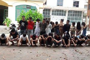 Hưng Yên: Đột kích quán karaoke, phát hiện 24 'nam thanh nữ tú' đang bay lắc