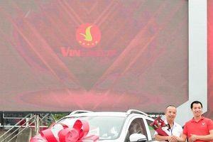 Chạy đua với thời gian, VinFast giao xe Fadil cho khách đúng hẹn