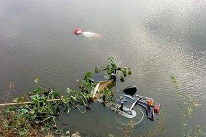 Phát hiện thi thể người đàn ông cùng chiếc xe máy dưới hồ nước ở Hà Tĩnh