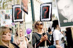 Anh: Đề xuất 'không dao nhọn' ngăn bạo hành gia đình gây tranh cãi