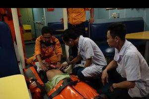 Cứu hộ hàng hải cấp cứu thuyền viên bị tai biến trên biển