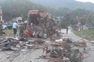 Danh tính nạn nhân vụ xe tải tông xe khách kinh hoàng ở Hòa Bình