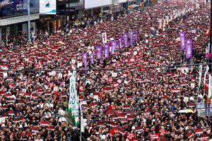 Dân Hong Kong lại biểu tình yêu cầu Đặc khu trưởng từ chức