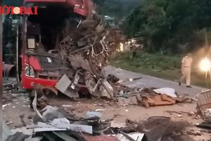 Toàn cảnh vụ tai nạn thảm khốc ở Hòa Bình