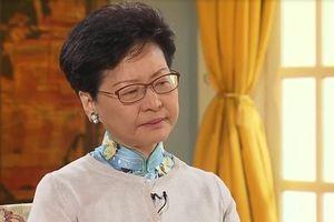 Lãnh đạo Hong Kong rơi lệ khi nói về cáo buộc 'phản bội'