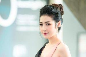 Á hậu Tú Anh 'chạy show' liên tục, tiết lộ vẫn giữ được nhan sắc rạng rỡ nhờ điều này