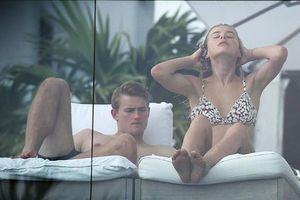 Giữa bão tin đồn, De Ligt và bạn gái xinh đẹp thảnh thơi đi nghỉ